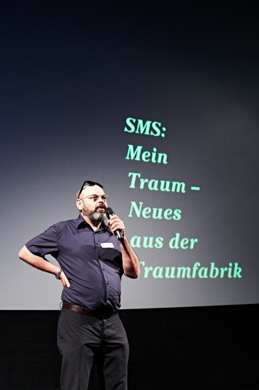 Out takes der blog der film und fernsehbranche for Erfinder der sms