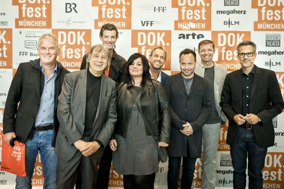Die Veranstalter, Laudator Thomas Frickel und alle Nominierten des 2. Fair Film Awards Non Fiction| Foto © DOK.fest München